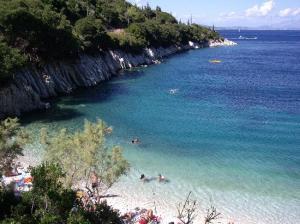 kourvoulia-beach